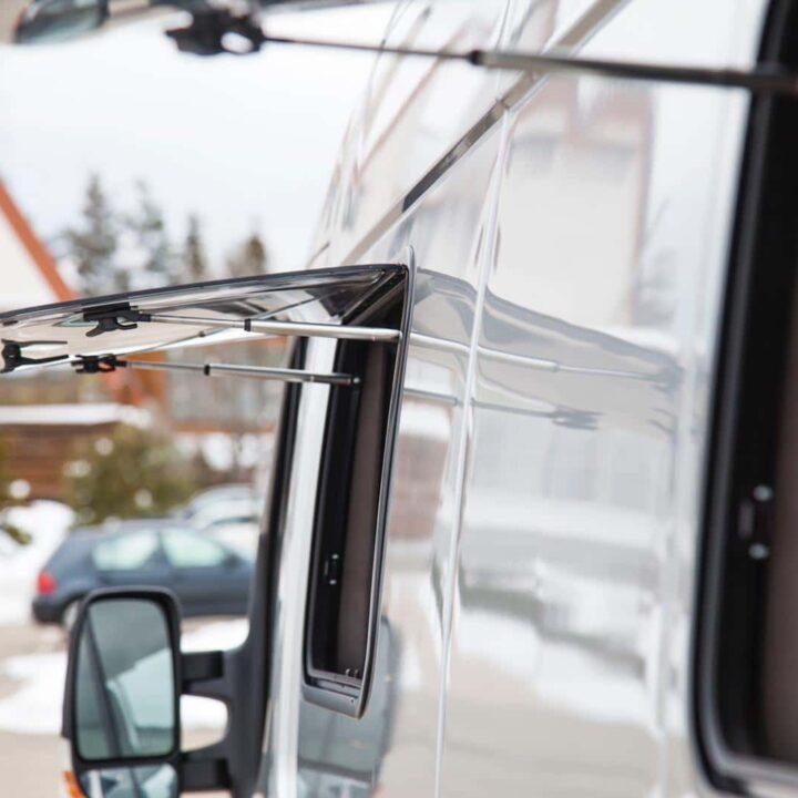Renault Master Campervan Busmacher Renault Master 12 min 720x720