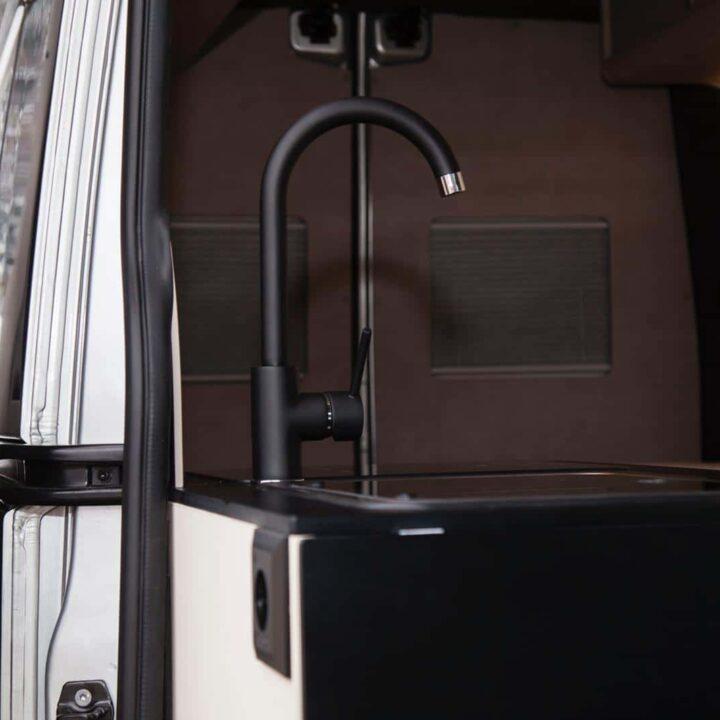 Renault Master Campervan Busmacher Renault Master 14 min 720x720